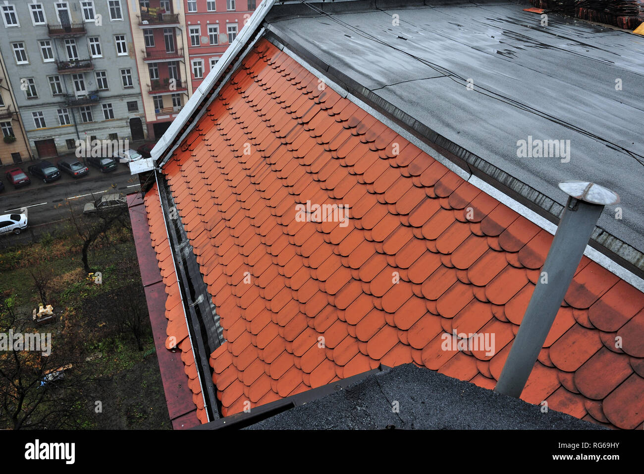 roof, house, home, gutter, roof tiles, precipitation, snow, danger, ice, conditions, weather, cold, winter, atmospheric conditions, city, old, - Stock Image