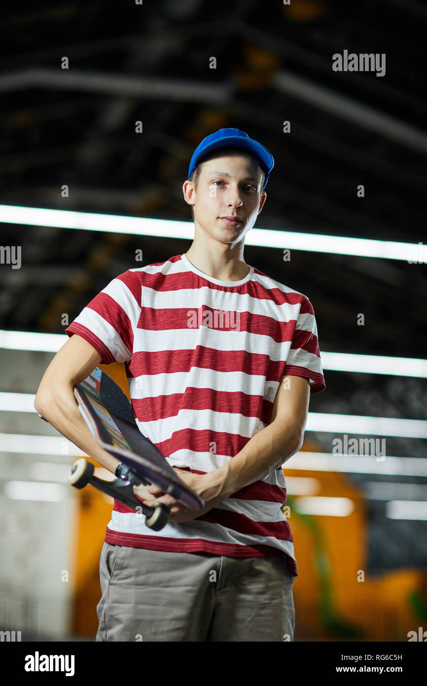 Boy skateboarder - Stock Image