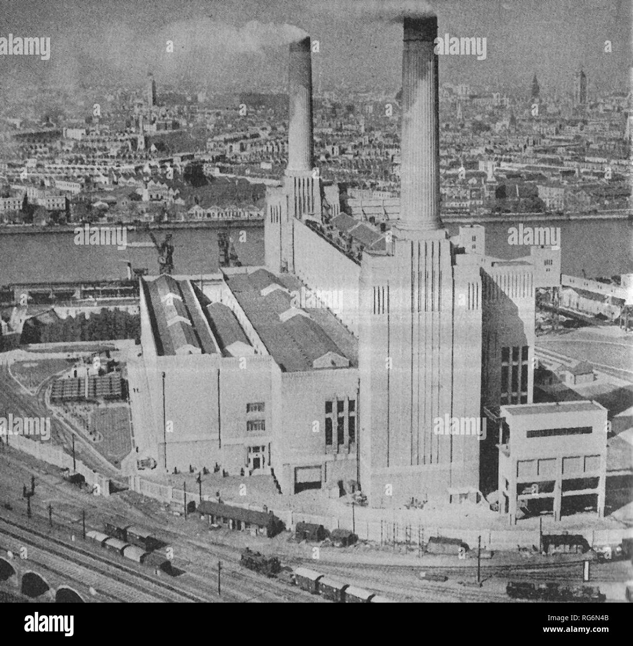 Battersea Power Station, which when completed will have a capacity of about 240,000 kilowatts. The first part was in operation in January 1934 - Stock Image