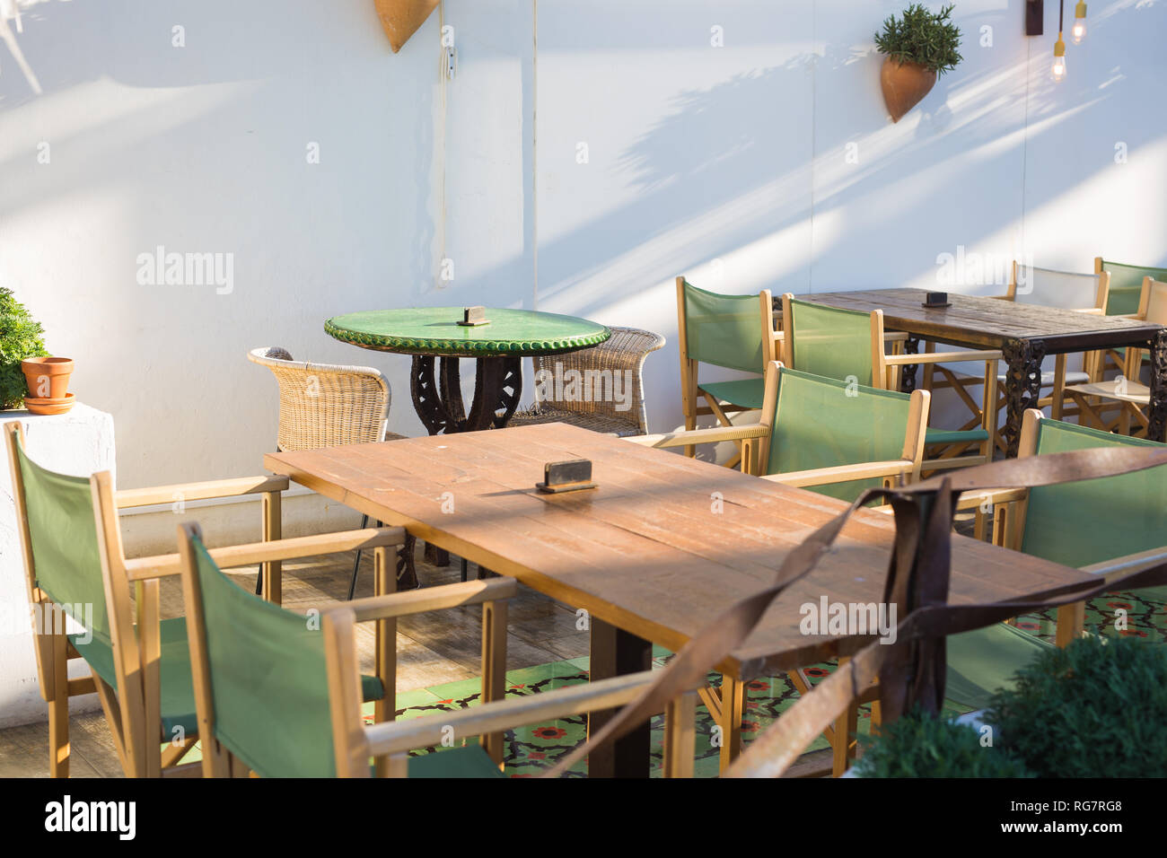 Cafe Coffee Shop Tavern And Restaurant Concept Cafe On The Street Of Old European City Stock Photo Alamy