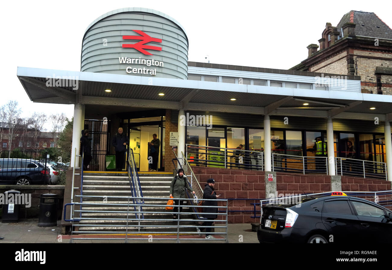 Warrington Central Railway Station, Winwick Street, Warrington, Cheshire, North west England, UK,  WA2 7TT - Stock Image