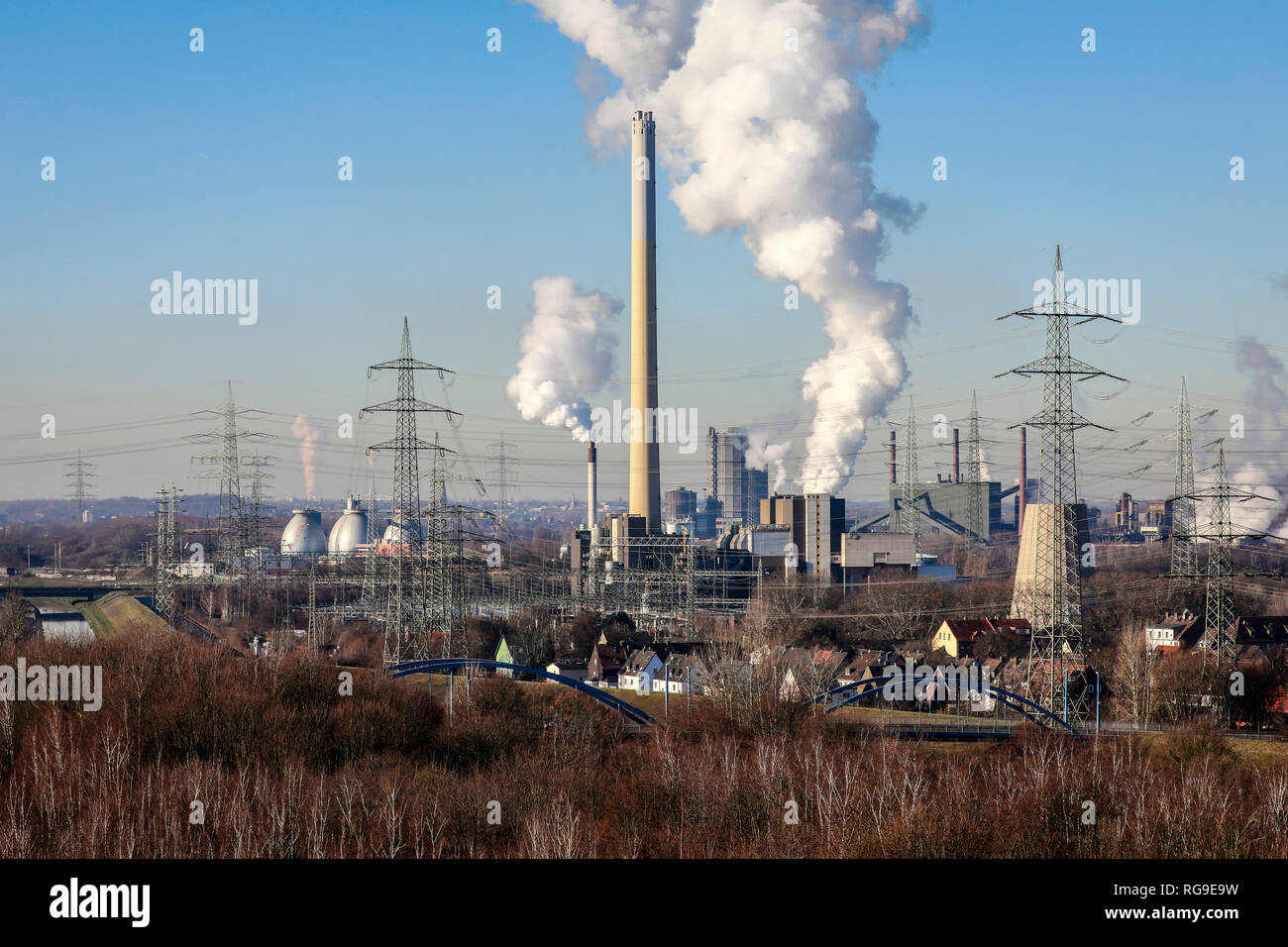 Essen, Ruhr area, North Rhine-Westphalia, Germany - Industrial landscape in the Ruhr area, in the middle the RWE waste incineration plant Essen Carnap Stock Photo