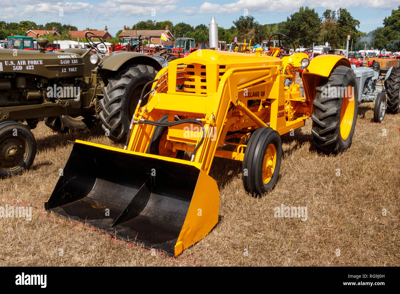 1956 Massey Harris 12449 IND with hydraulic earth moving attachment on display at the 2018 Starting Handle Club Summer Show, Norfolk, UK. - Stock Image