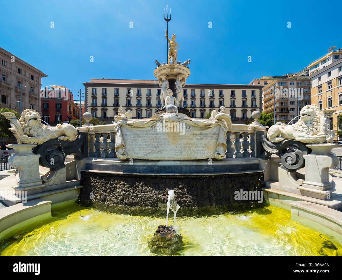 Italy, Campania, Neapel, Piazza Municipio, Fontana del Nettuno - Stock Image