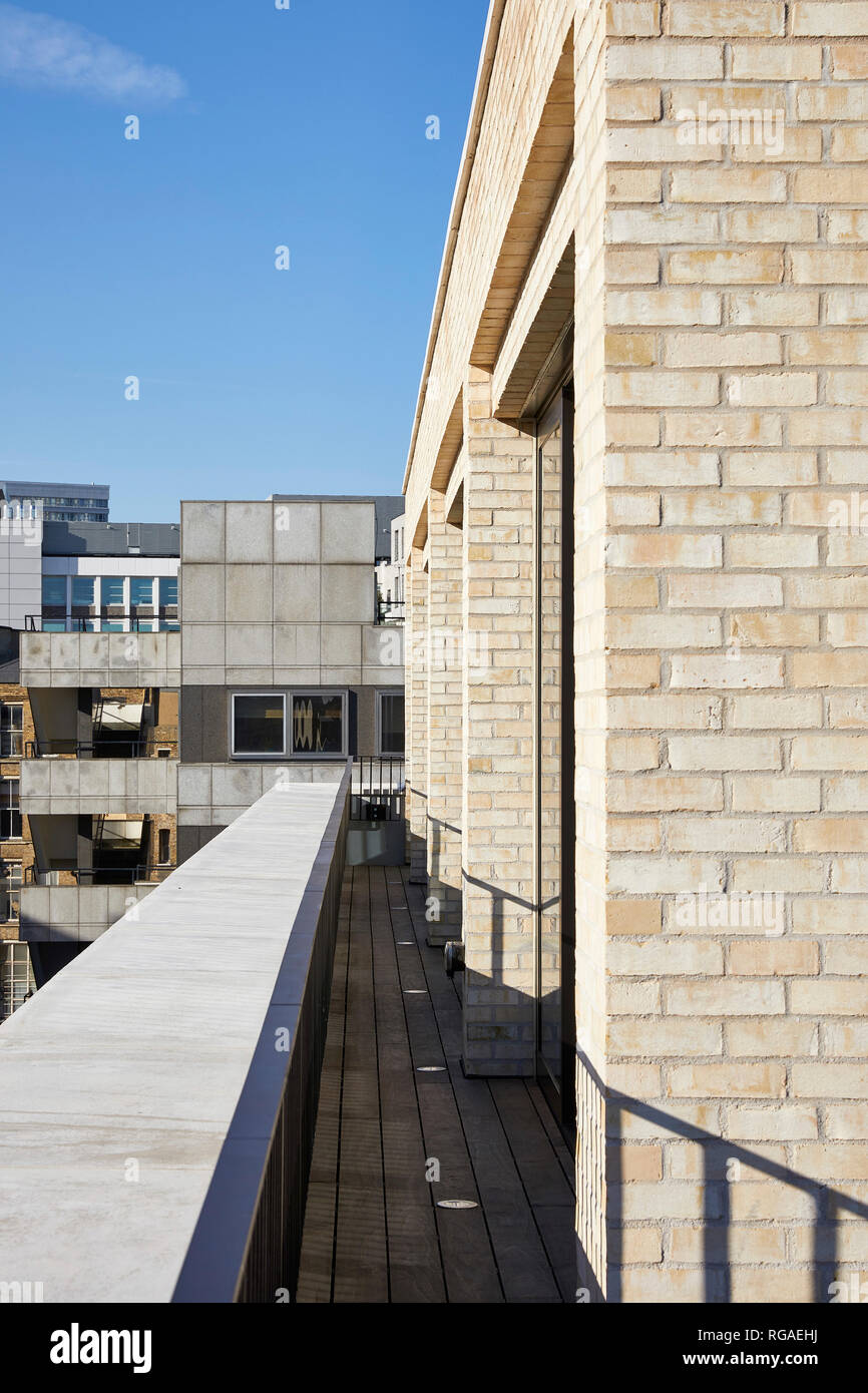 Rooftop balcony. Paul Street, London, United Kingdom. Architect: Stiff + Trevillion Architects, 2018. - Stock Image