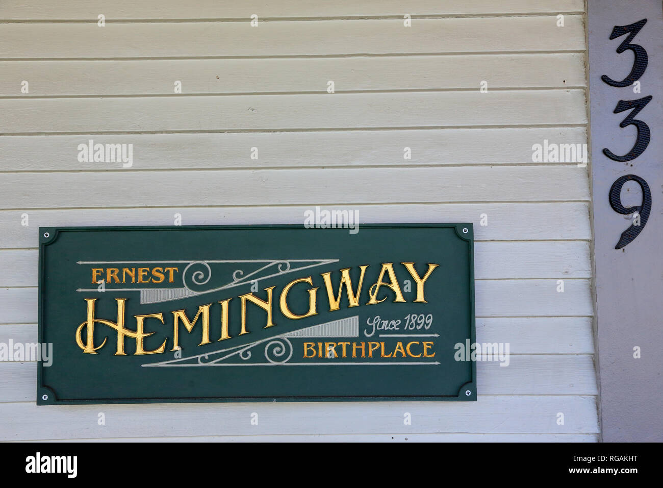 The sign and address Number by the entrance of Ernest Hemingway's birthplace at 339 N. Oak Park Avenue.Oak Park. West of Chicago. Illinois. USA Stock Photo