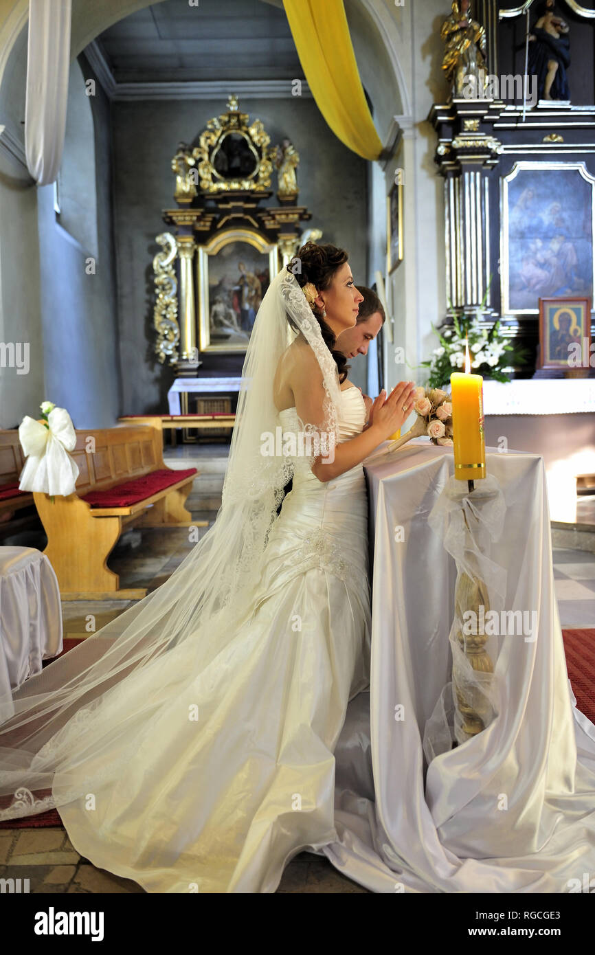 Anniversary Bridal Bride Couple Dress Hands Flowers Fresh