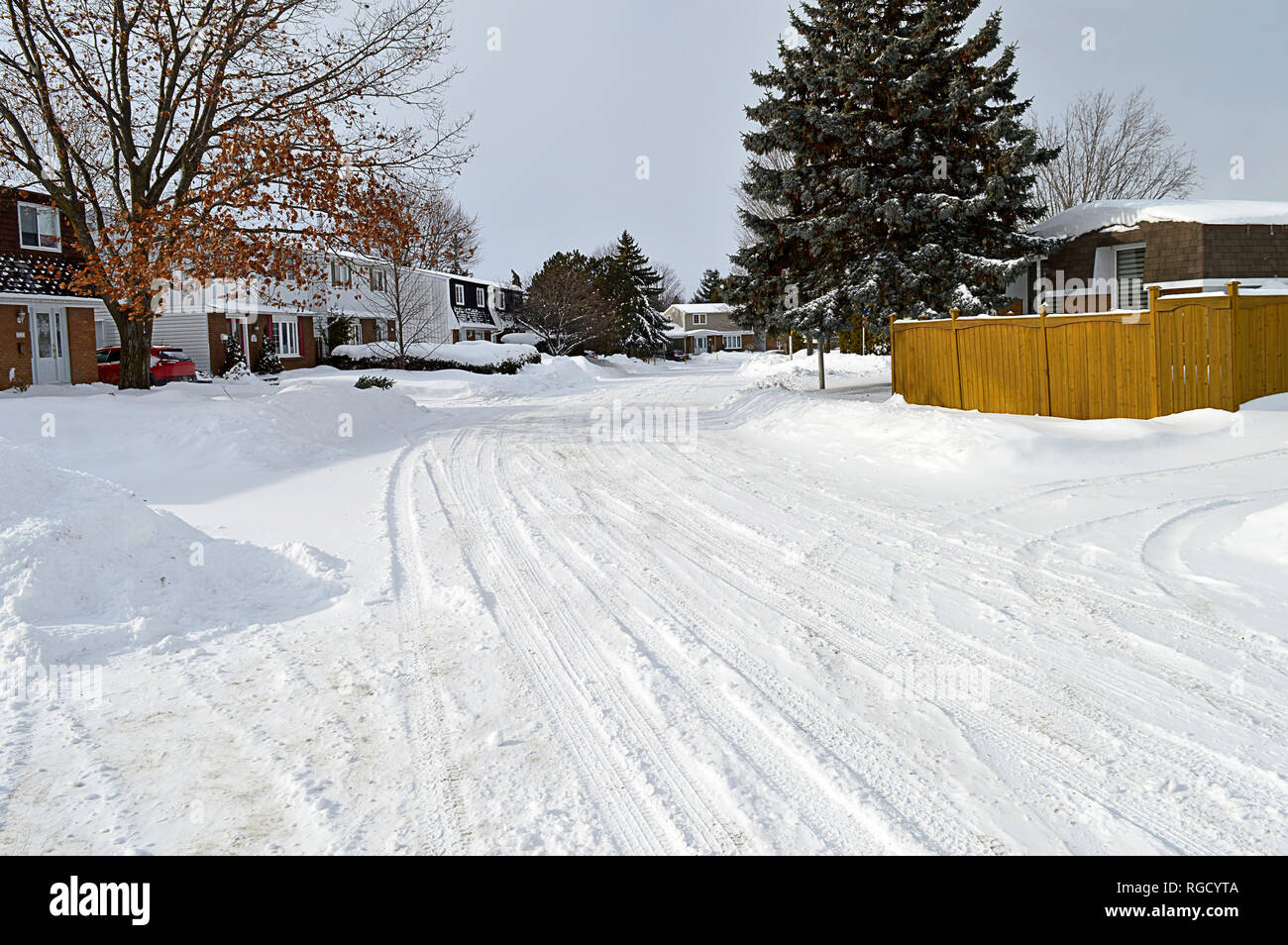 A typical urban street in Canada, during a typical Canadian Winter. - Stock Image