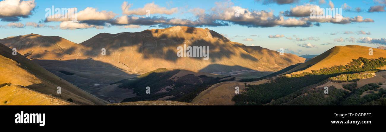 Italy, Umbria, Sibillini Park, Mt Vettore  at sunset - Stock Image