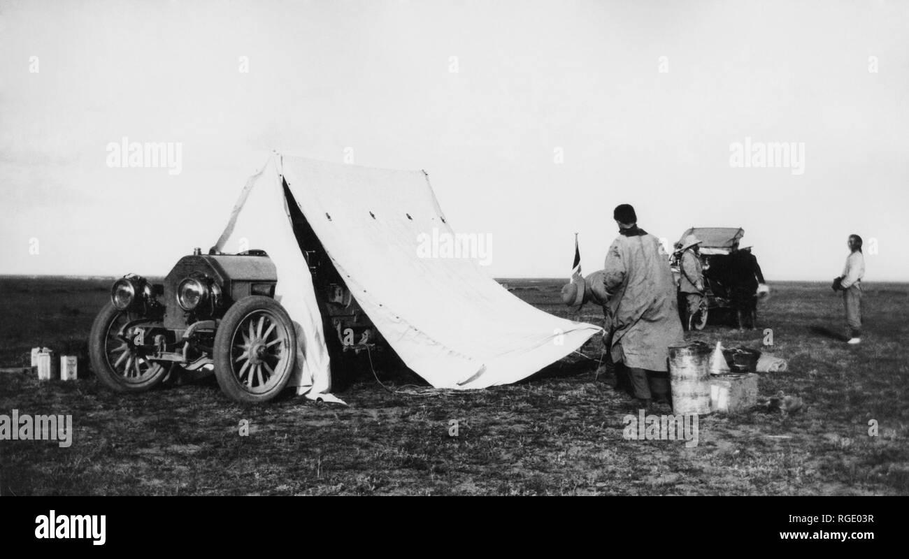 northern Mongolia, Beijing-Paris raid, camp, 1907 - Stock Image
