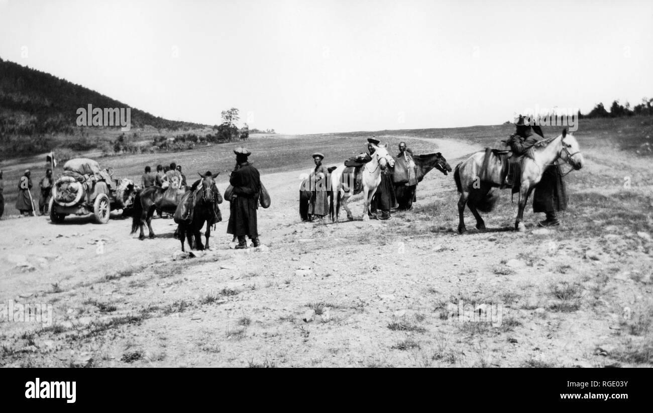 mongolia, raid beijing-paris, italy during a brief stop, 1907 - Stock Image