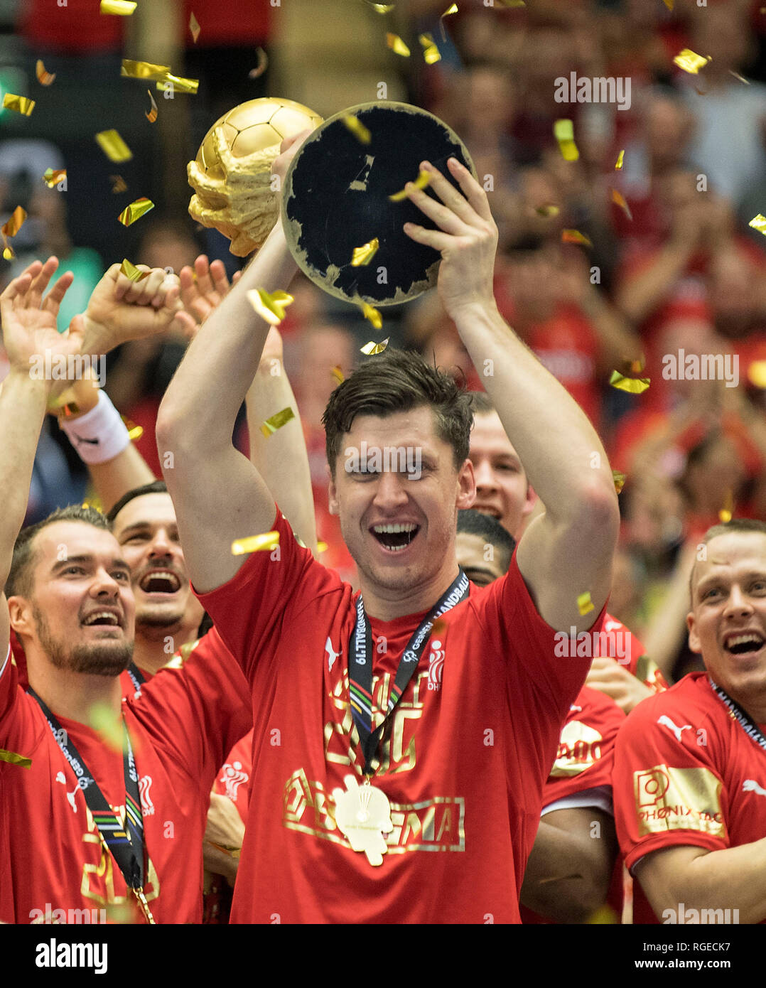Award ceremony, jubilation goalkeeper Niklas LANDIN r. (DEN) with Cup, Final, Norway (NOR) - Denmark (DEN), on 27.01.2019 in Herning/Denmark Handball World Cup 2019, from 10.01. - 27.01.2019 in Germany/Denmark. | usage worldwide Stock Photo