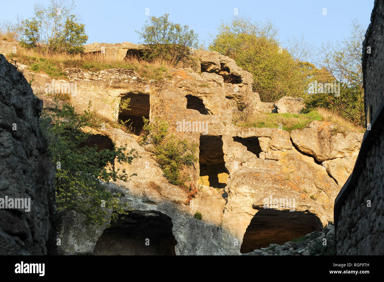 Medieval city-fortress Çufut Qale (Jewish Fortress) in the Crimean Mountain in Chufut-Kale, near Bakhchisaray, Crimea, Ukraine. October 2nd 2008, esta Stock Photo