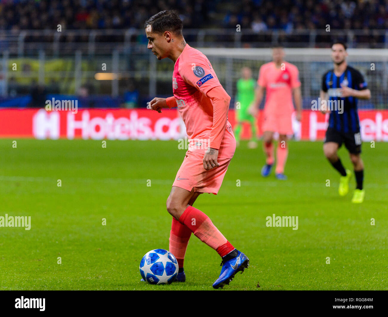 Milan - Nov 6, 2018: Philippe Coutinho 7 controls the ball. FC Internazionale - FC Barcelona. UEFA Champions League. Matchday 4. Giuseppe Meazza (San  Stock Photo