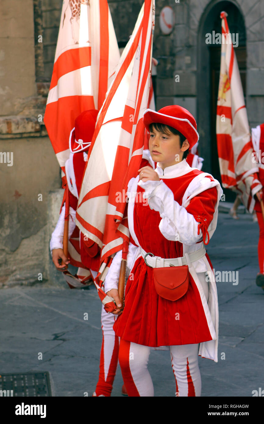 Procession in traditional clothes, Corsa del Palio, in the historic city of Siena, Tuscany, Italy, Europe - Stock Image
