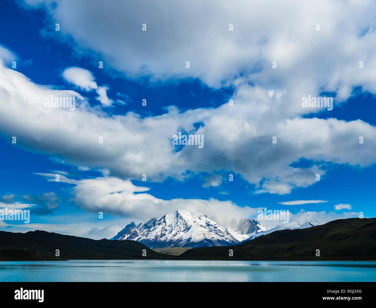 Chile, Patagonia, Magallanes y la Antartica Chilena Region, Torres del Paine National Park, Cuernos del Paine, Laguna Amarga Stock Photo