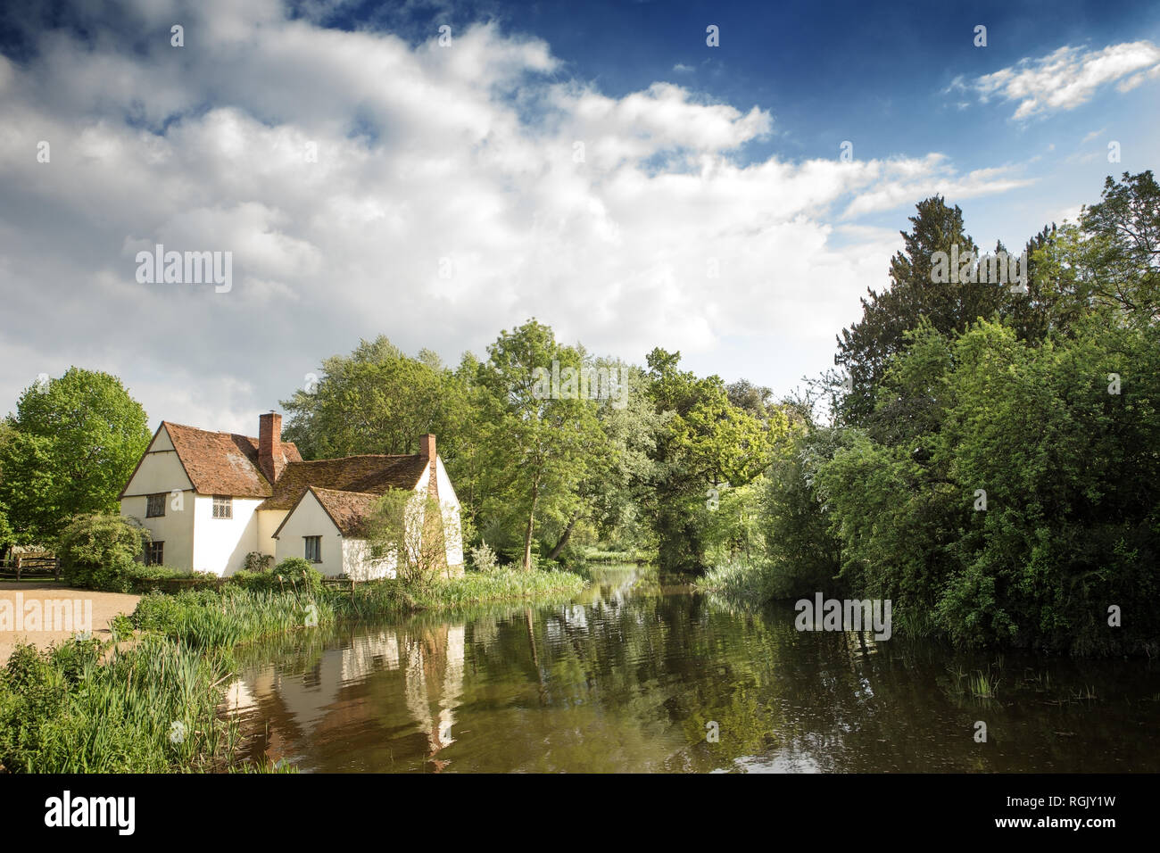 Contemporary view of Flatford Mill, the scene painted by John Constable in his painting 'The Hay Wain' in the Dedham Vale district of East England Stock Photo