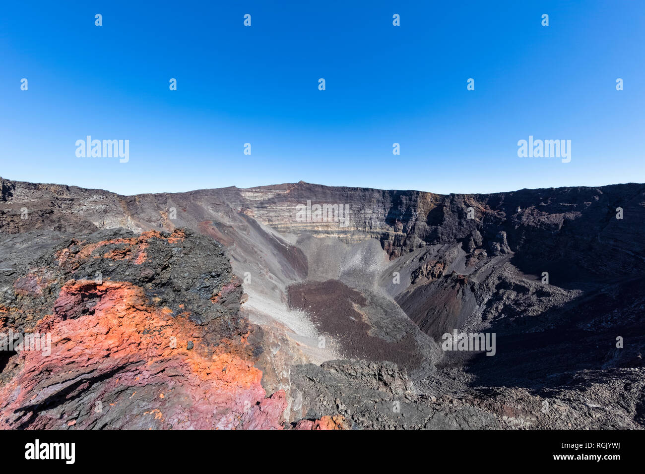 Reunion, Reunion National Park, Shield Volcano Piton de la Fournaise, Crater Dolomieu and Pahoehoe lava - Stock Image