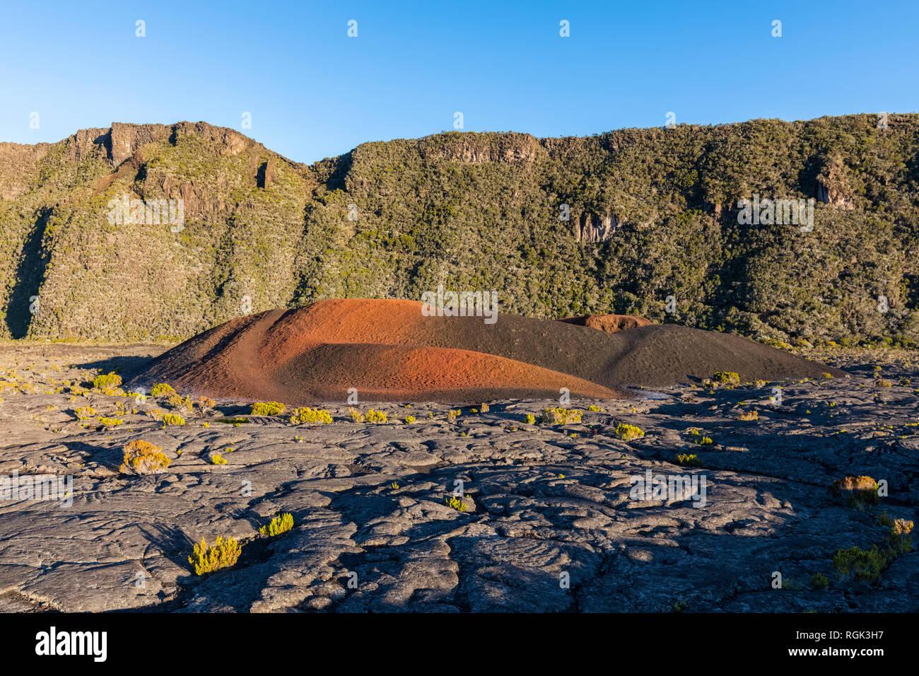 Reunion, Reunion National Park, Shield volcano Piton de la Fournaise, inner Caldera Enclos Fouque and edge of exterior caldera Rempart, lava field - Stock Image
