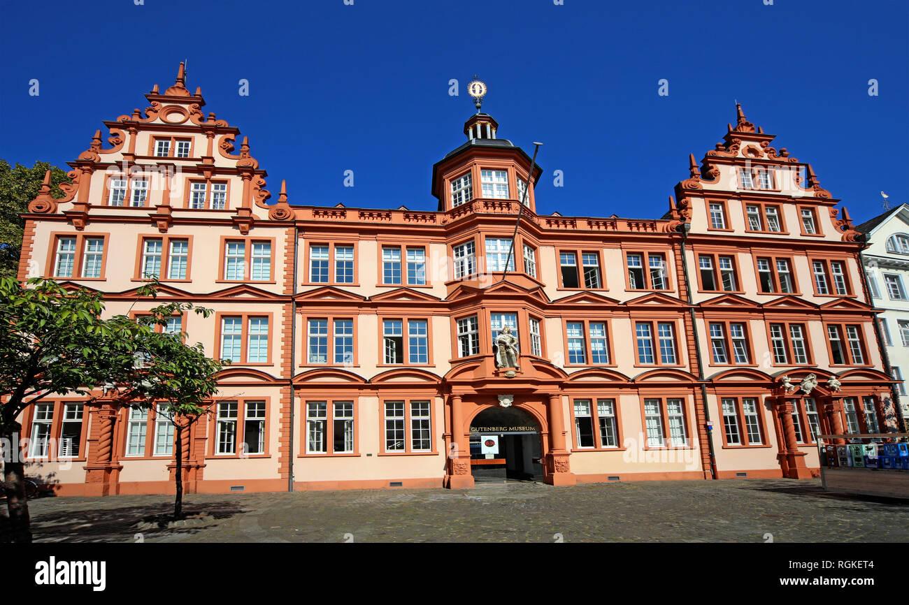 Gutenberg Museum, House, Zum Römischen Kaiser, Gutenberg-Museum, Museum für Buch-, Druck- und Schriftgeschichte, Liebfrauenplatz 5,55116,Mainz - Stock Image