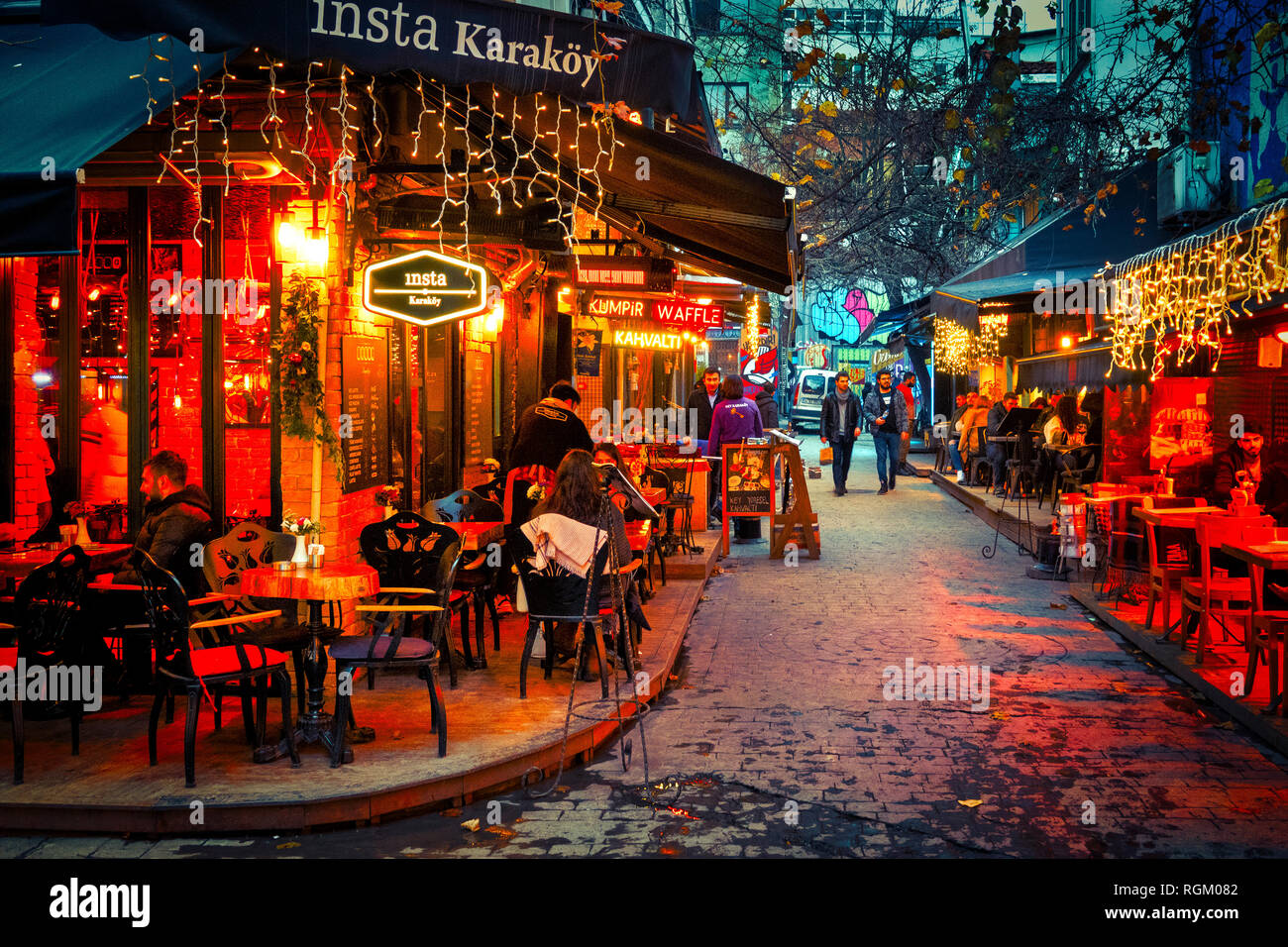 Nightlife in the Tophane district of Istanbul, Turkey - Stock Image