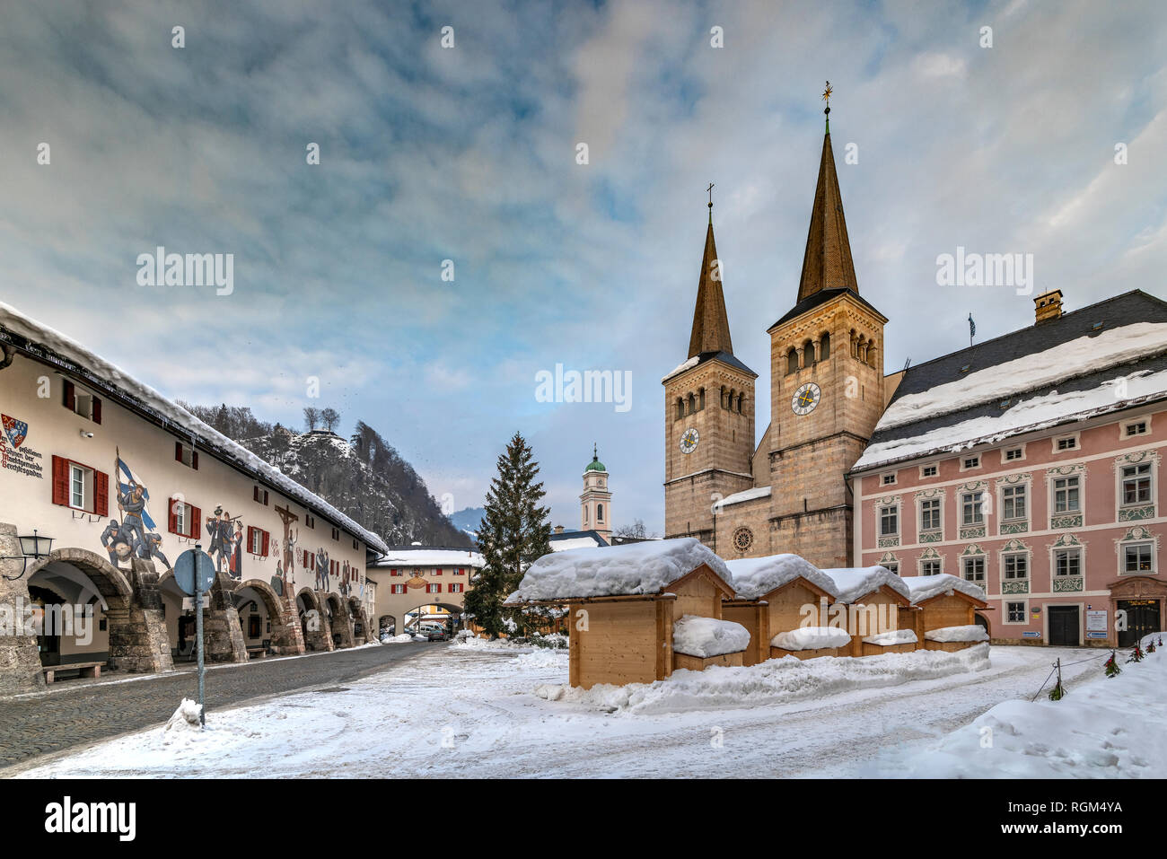 Collegiate Church of St Peter and John the Baptist, Schlossplatz square, Berchtesgaden, Bavaria, Germany - Stock Image