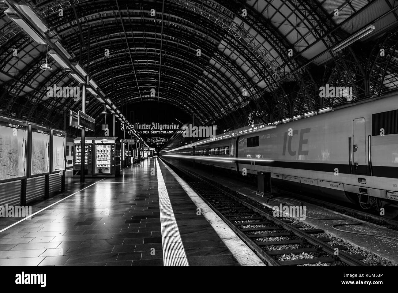 Frankfurt am Main/ Germany - july 22 2017: roof of the main railway station (Hbf) with an ICE train and the platform - Stock Image