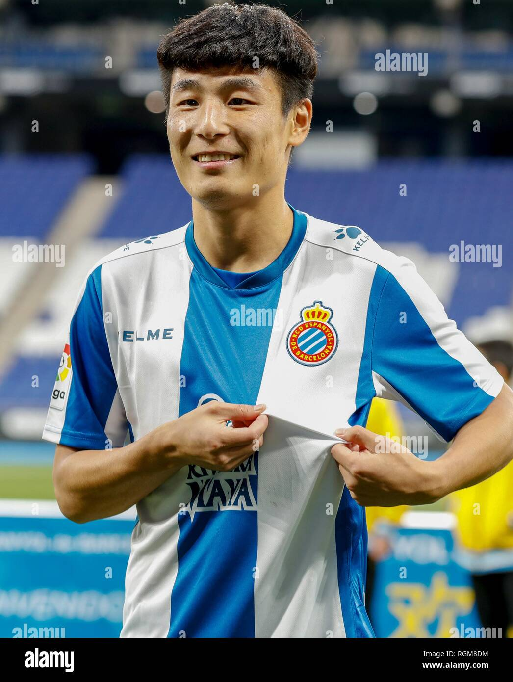 (190130) -- MADRID, Jan. 30, 2019 (Xinhua) -- Wu Lei poses for a photo in Espanyol home stadium in Barcelona, Spain, Jan. 29, 2019. Spanish Liga Santander club, Espanyol presented the new coming Chinese striker Wu Lei to the fans and press on Tuesday. (Xinhua/Joan Gosa) - Stock Image