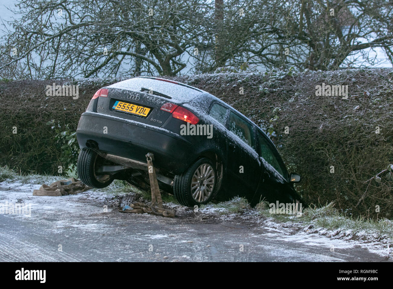 Rufford, Lancashire. 30th Jan, 2019. UK Weather. Cold, frosty, with light snow showers. The Met Office has issued a yellow weather warning across the majority of the UK as the area is braced for more snow and ice, with difficult driving conditions, icy surfaces and black ice on untreated roads. Credit. MediaWorldImages/AlamyLiveNews. - Stock Image