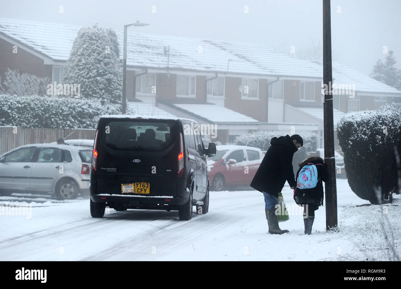 Bolton, Lancashire, UK. 30th January, 2019. Overnight snow and freezing fog brought treacherous conditions to Bolton, Lancashire today. The big freeze is set to continue for the next 24 hours at least in the North West of England. Drivers struggle to get along the icy roads. Picture by Paul Heyes, Wednesday January 30, 2019. Credit: Paul Heyes/Alamy Live News Stock Photo