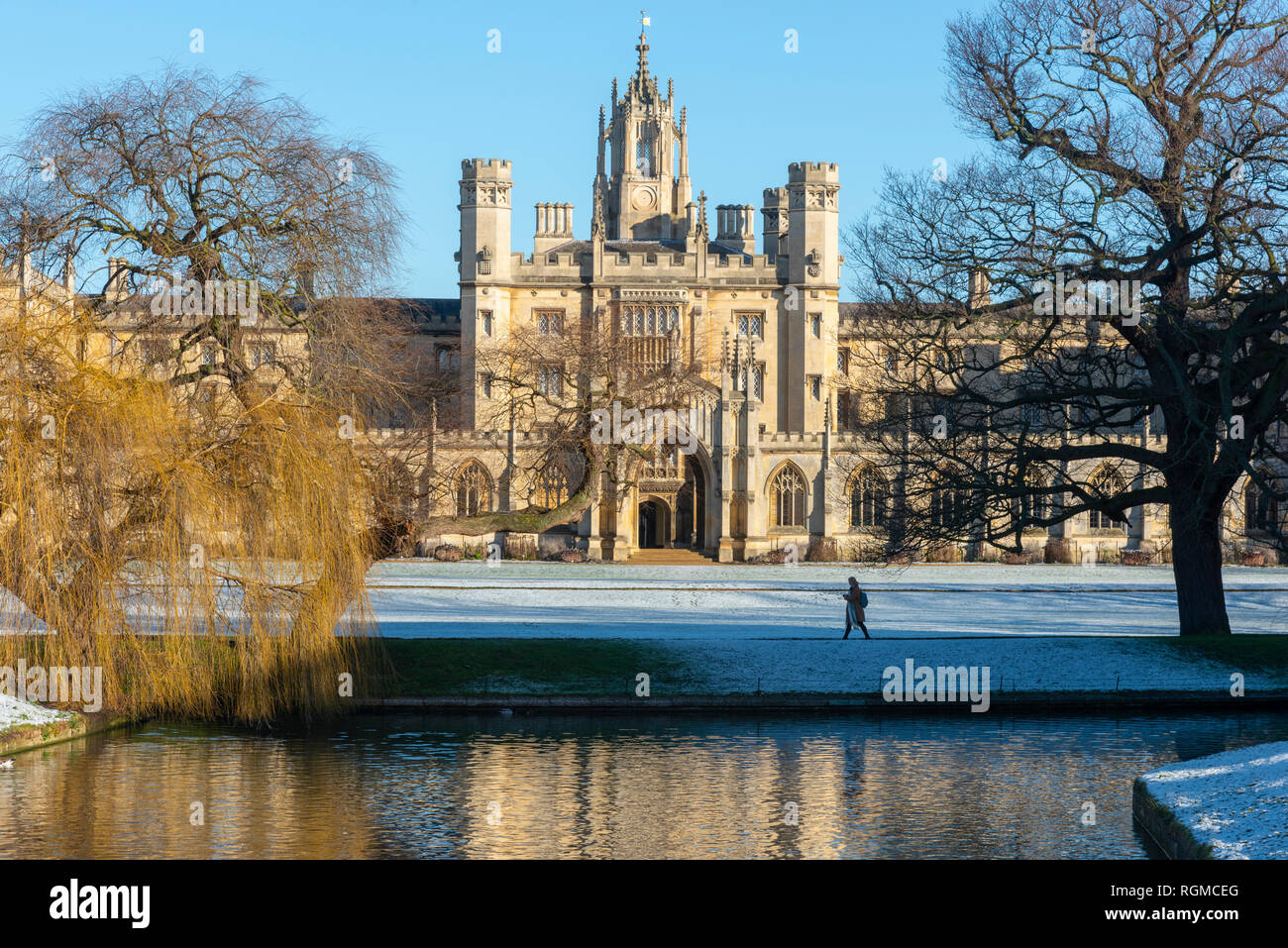 Cambridge, UK. 30th Jan, 2019. St John's College and River Cam, Cambridge, after overnight snow, Cambridge, UK. 30th Jan, 2019. UK Weather Credit: Alan Copson City Pictures/Alamy Live News Stock Photo