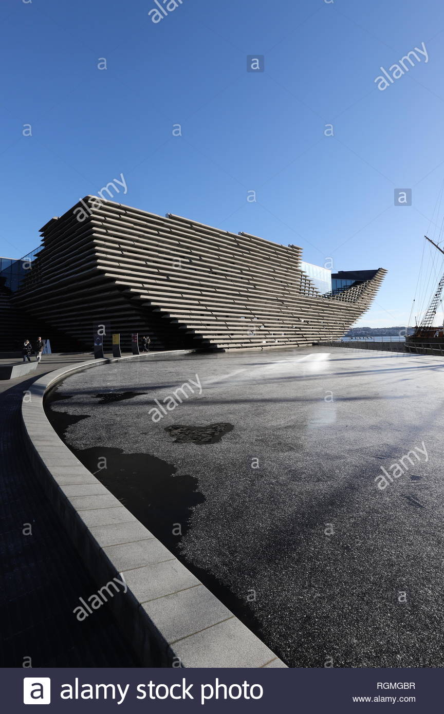 Dundee, UK. 30th Jan, 2019. V&A Design Museum with light snow on a ...