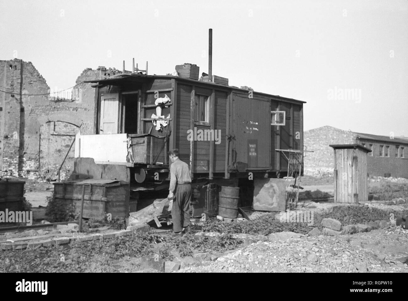 Emergency housing and makeshift accommodation, living in the railway wagon 1948, Leipzig, Saxony, GDR, Germany - Stock Image