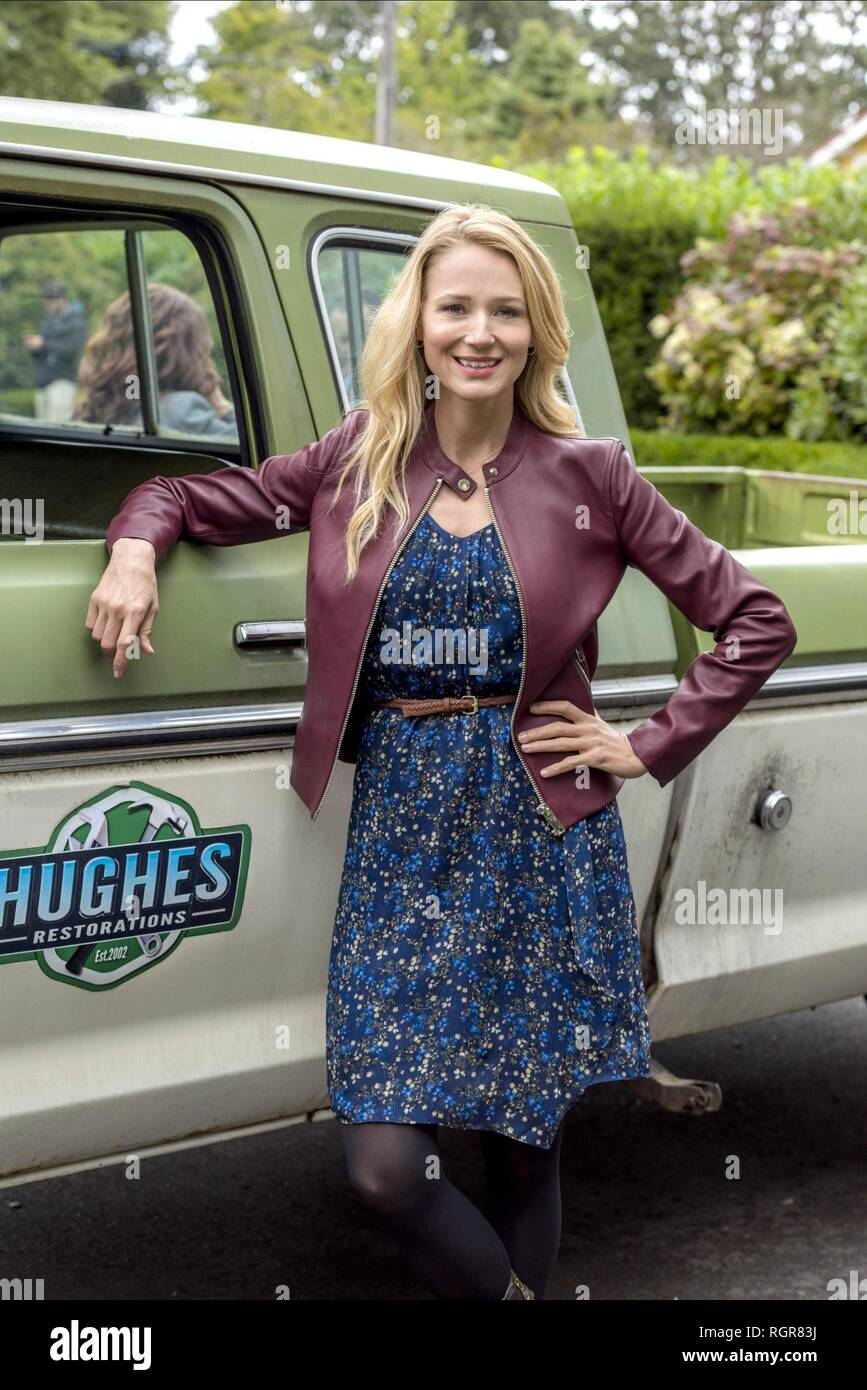 JEWEL KILCHER DEADLY DEED: A FIXER UPPER MYSTERY (2018) - Stock Image
