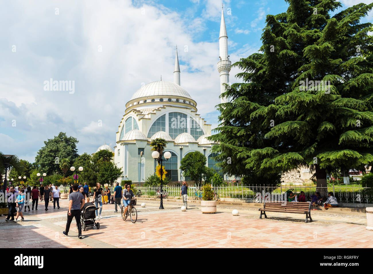 Pedestrian zone and Ebu Beker Mosque, Shkodra, Albania - Stock Image