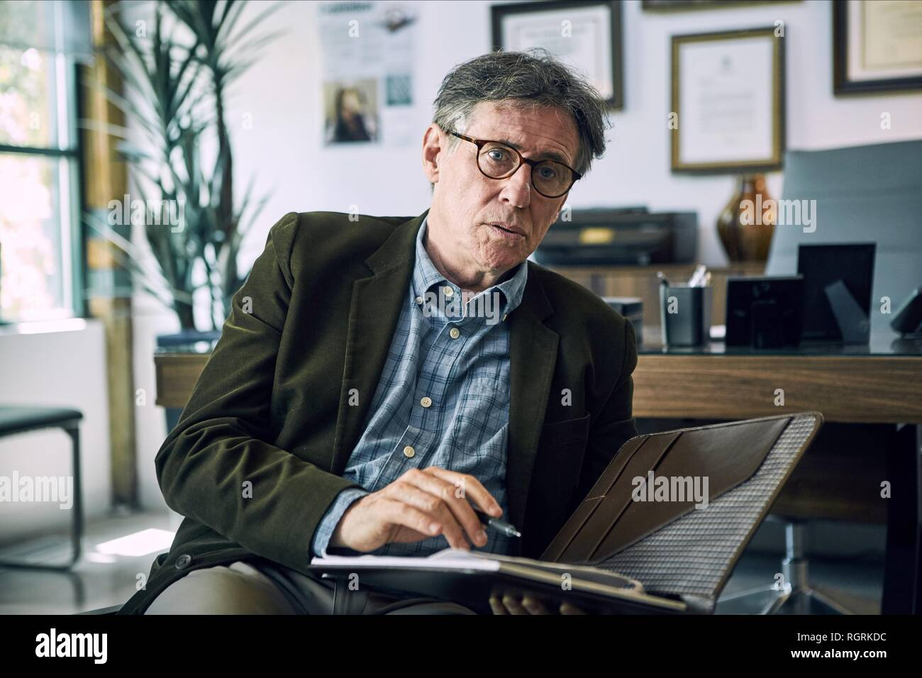 GABRIEL BYRNE HEREDITARY (2018) - Stock Image