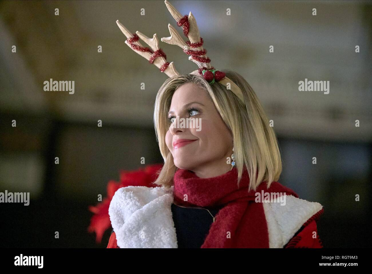 A Shoe Addicts Christmas.A Shoe Addict S Christmas Candace Cameron Bure 2018 Stock