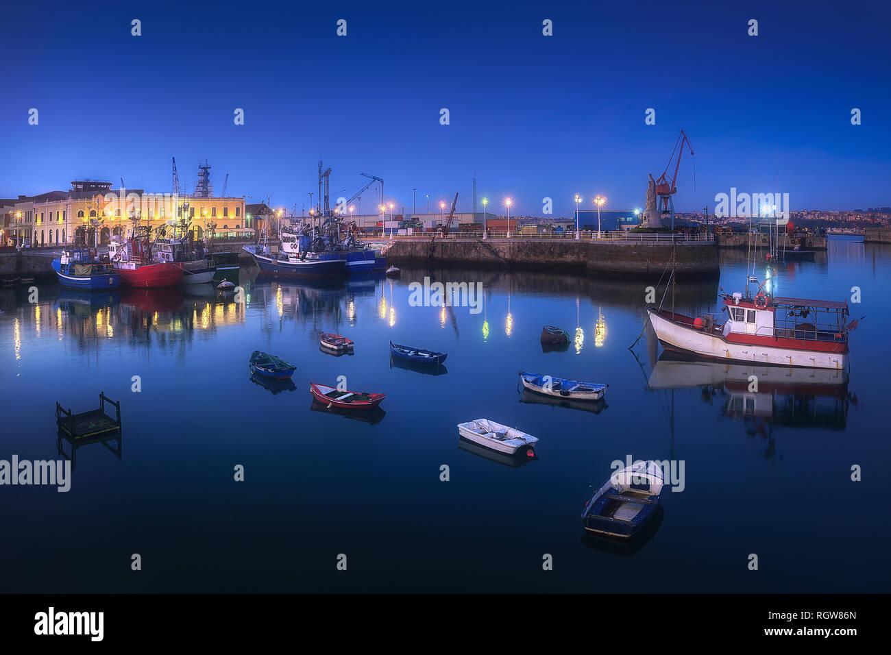 Santurce port at night - Stock Image