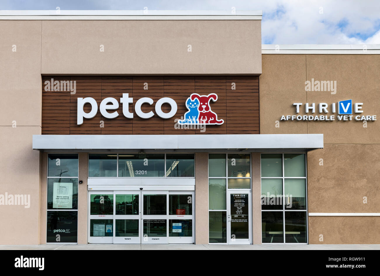 Pet Supplies Store High Resolution Stock Photography And Images Alamy