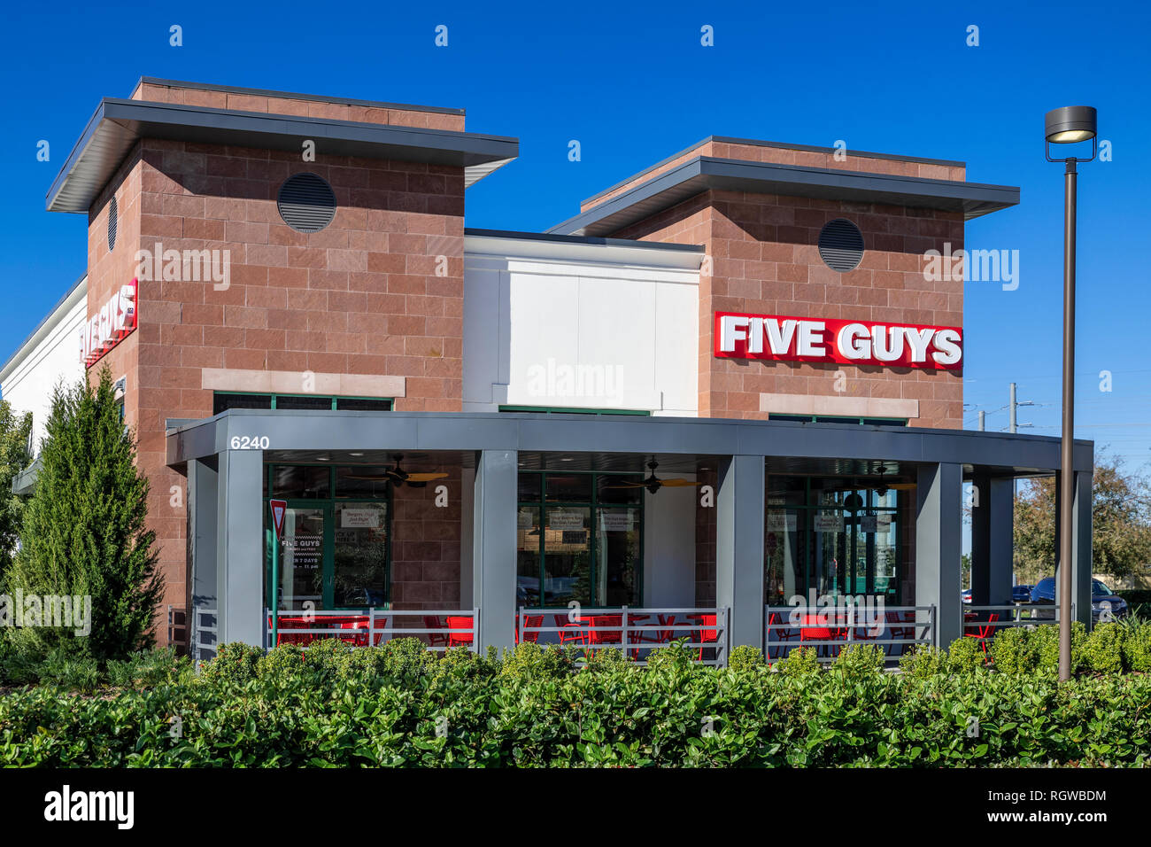 Five Guys fast casual restaurant. - Stock Image