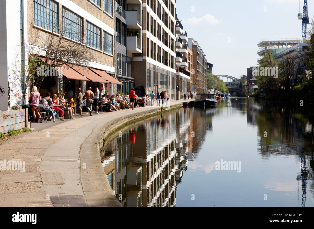 Towpath Cafe on Regent's Canal, Haggerston, London, UK - Stock Image