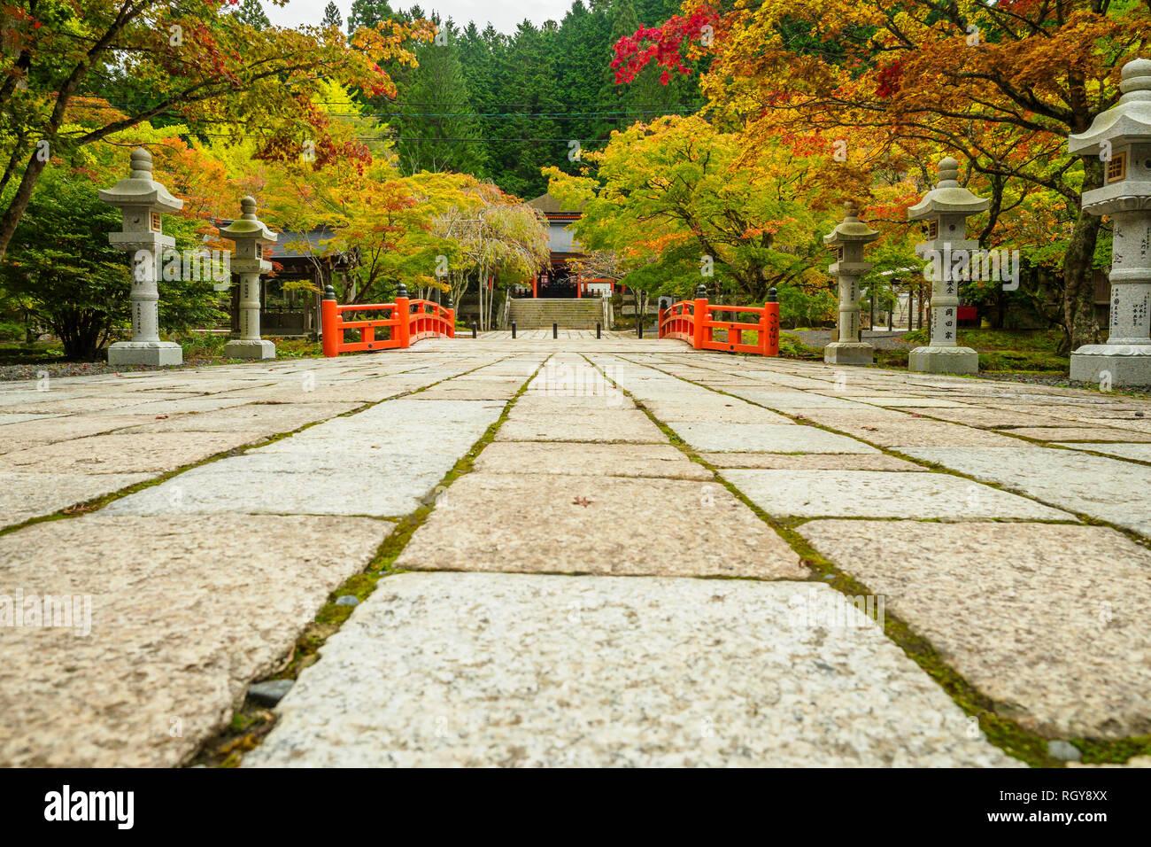 Eireiden-Tempel mit Friedhofs-Bereich bei Koyasan (Mt Koya) in Wakayama, Japan - Stock Image
