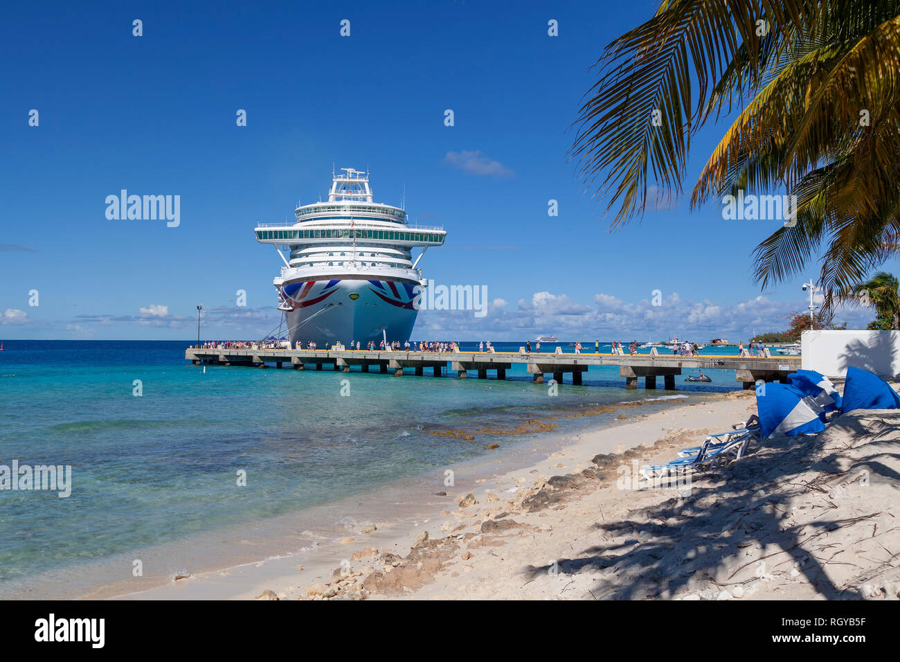 The P&O Azura cruise ship - Stock Image