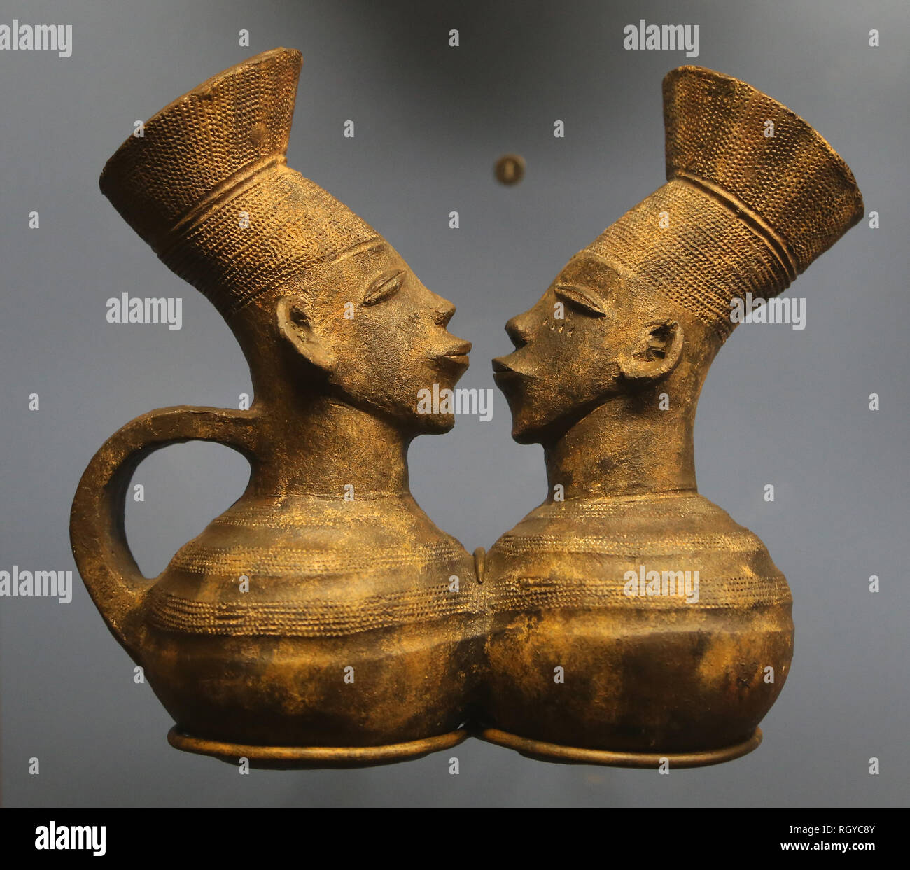 African object. Pottery, Mangbetu, Congo. American Museum of Natural History. NY. Unites States. - Stock Image