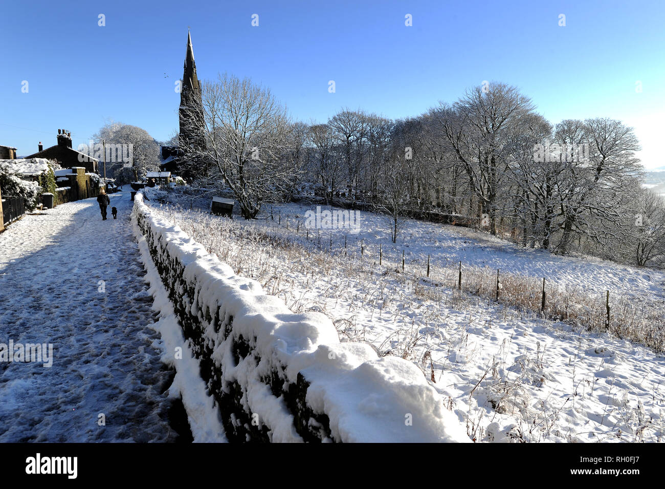 Ramsbottom, Lancashire. 31st Jan 2019. UK Weather: Parts of Lancashire look more like the Swiss Alps today as the snow covered landscape creates a picture postcard winter wonderland scene around Holcombe Hill and village near Ramsbottom, Lancashire. Picture by Credit: Paul Heyes/Alamy Live News - Stock Image