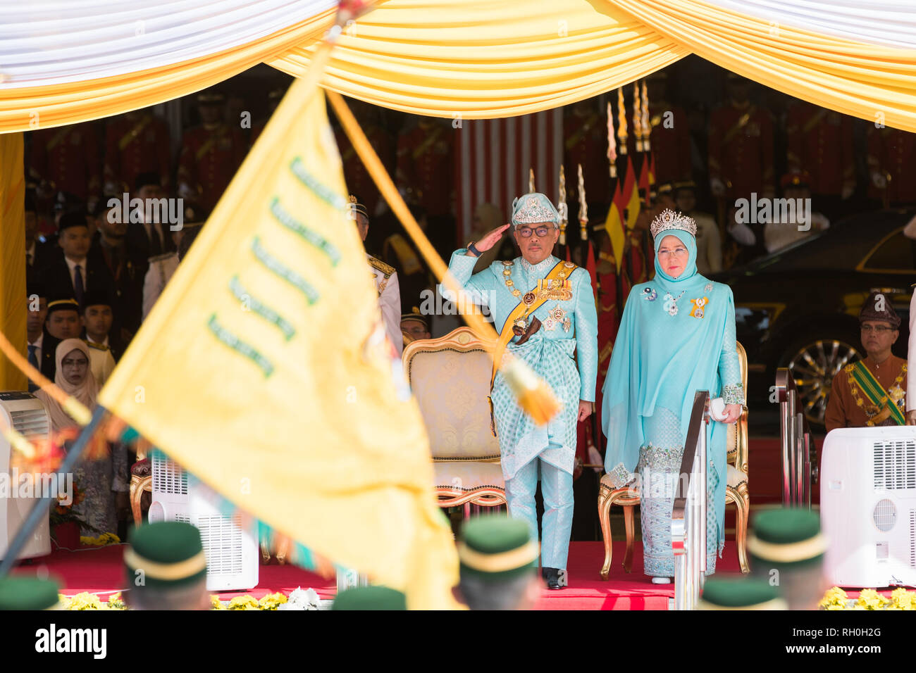 Kuala Lumpur, Malaysia. 31st Jan, 2019. Sultan Abdullah Sultan Ahmad Shah (L) attends the welcome ceremony at the parliament square in Kuala Lumpur, Malaysia, Jan. 31, 2019. Sultan Abdullah Sultan Ahmad Shah was sworn in as Malaysia's 16th king in a ceremony at the national palace on Thursday. Malaysia is a constitutional monarchy, with nine sultans or rulers, who head their respective state and act as the religious leader, taking turns to serve as the king for a five-year term. Credit: Zhu Wei/Xinhua/Alamy Live News - Stock Image
