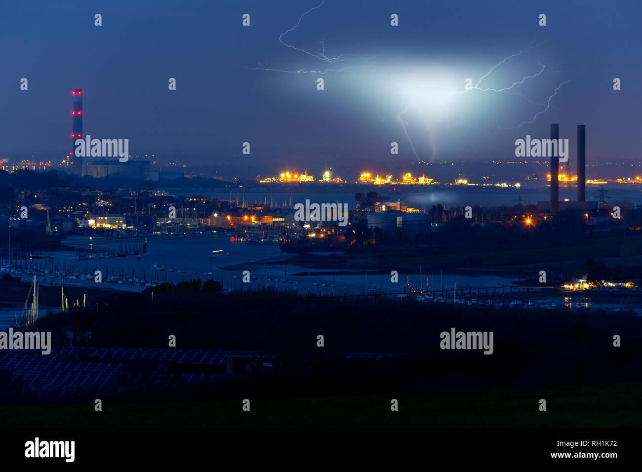 Power Station, Solar Farm, View, River Medina, Medham, Cowes, Solent, Fawley, Southampton, Isle of Wight, England, UK, Stock Photo