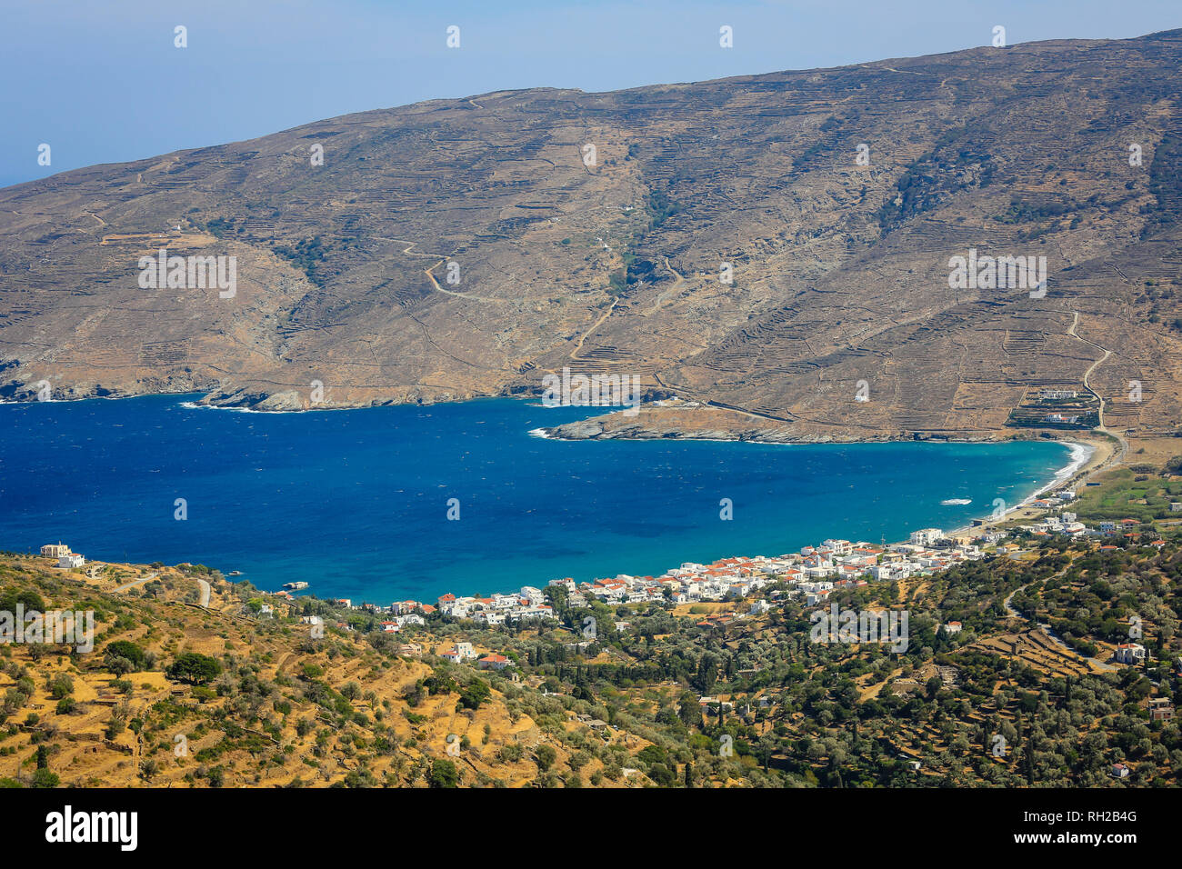 Ormos Korthiou, Andros Island, Cyclades, Greece - coastal landscape with the fishing village of Ormos Korthiou.  Ormos Korthiou, Insel Andros, Kyklade Stock Photo