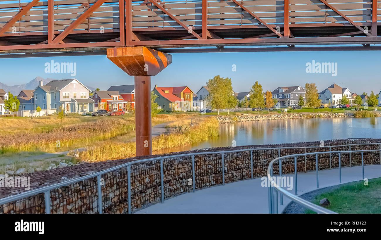 Trails and bridge in Oquirrh Lake Daybreak Utah - Stock Image