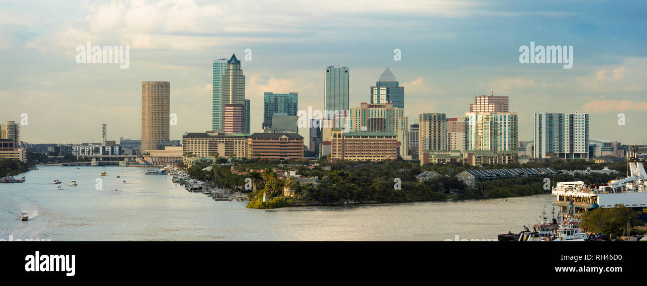 View of the downtown area of Tampa, Florida and port from the South. Logos have been removed. An editorial version with business names is also availab - Stock Image